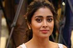 بھارتی اداکارہ شریا سرن پر اچانک اونٹ کا حملہ ، ڈر کربھاگ گئیں