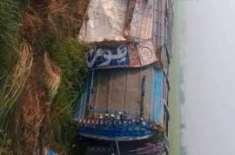 نارووال نیو لاہور روڈ گیگے والی سٹاپ پر تیز رفتار بس الٹ گئی ریسکیو ..