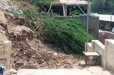 روہڑی کی گنجان ابادی والے علاقے ٹکر محلہ کو جانے والا راستہ گزشتہ بارہ ..