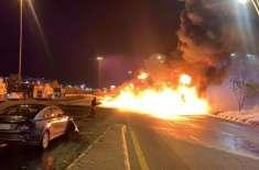 جدہ ہائی وے پر پٹرول ٹینکر کو حادثہ کے بعد آگ لگ گئی