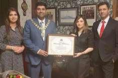 ارمینا خان کی برطانیہ میں میئر واجد خان سے ملاقات