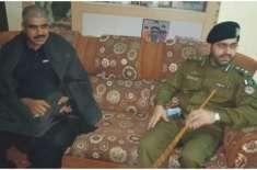 ڈسٹرکٹ پولیس آفیسر جہلم زخمی ہونیوالے پولیس کانسٹیبل کی عیادت کیلئے ..