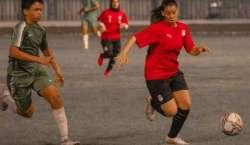مصر، مردوں اور خواتین ٹیموں کے مابین فٹبال میچ نے تنازع کو جنم دیدیا