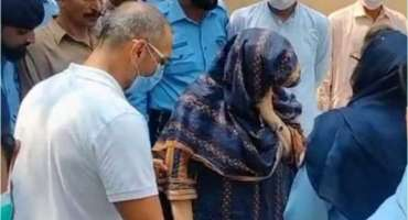 نور مقدم قتل کیس; سپریم کورٹ نے  ظاہر جعفر کی والدہ کی ضمانت منظور کر ..