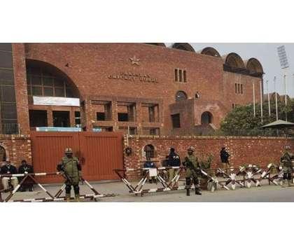 پاکستان کرکٹ بورڈ کئی گھنٹوں تک نیوزی لینڈ کرکٹ ٹیم کو قائل کر نے کی ..