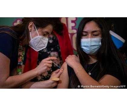 دنیا میں چار ارب کورونا ویکسین کے انجیکشن لگا دیے گئے