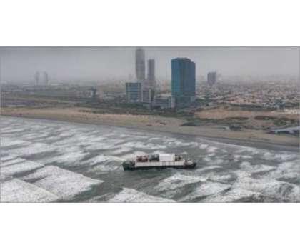 کراچی کے ساحل سمندر پر پھنسا جہاز اگست سے پہلے نہیں نکالا جاسکتا،محمودمولوی