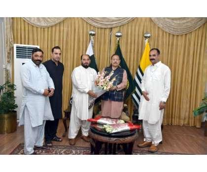 پاکستان تحریک انصاف کے رہنما راجہ فرخ ممتاز کی وفد کے ہمراہ صدر ریاست ..