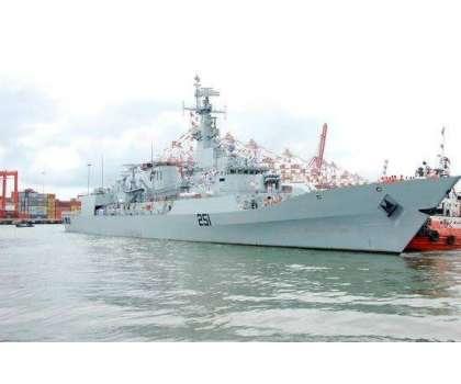 پاک بحریہ کے جہاز پی این ایس ذوالفقار کا جرمنی کی بندرگاہ ہیمبرگ پہنچنے ..