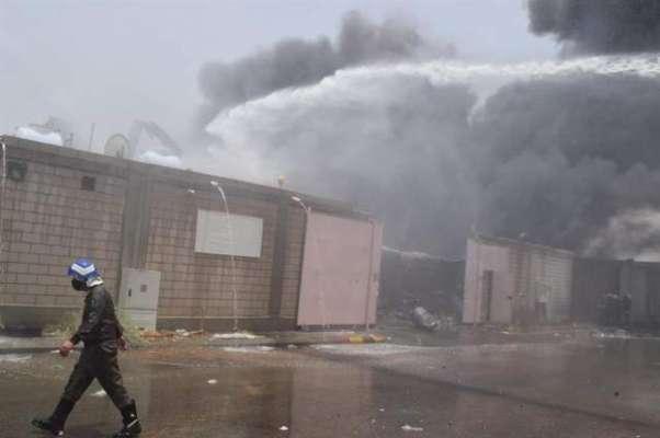 سعودیہ کے شہر جدہ کے ایک گودام میں خوفناک آتش زدگی، ہر طرف دھوئیں کے ..