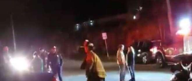 پولیس اہلکاروں نے ناکے پر نہ رُکنے والی گاڑی پر فائرنگ کر دی، کارسوار ..