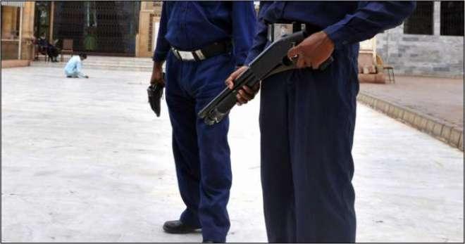 کراچی ؛ سیکیورٹی گارڈز کی بڑی تعداد غیر تربیت یافتہ ہونے کا انکشاف