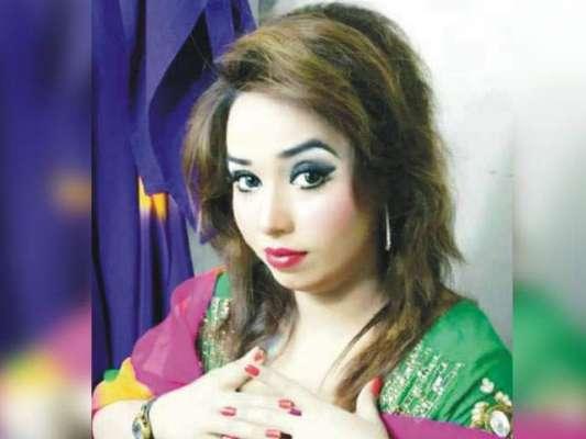 اداکارہ شیزا بٹ نے سوشل میڈیا سٹار علی خان پر تھپڑوںکی بارش کر دی