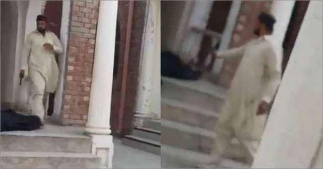 نوجوان نے بھائی کے قتل کا بدلہ لینے کے لیے مخالف کو عدالت کے دروازے ..