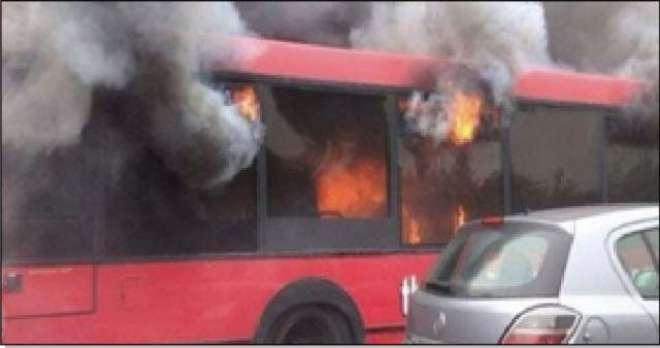 لاہور میٹرو بس میں آگ بھڑک اٹھی