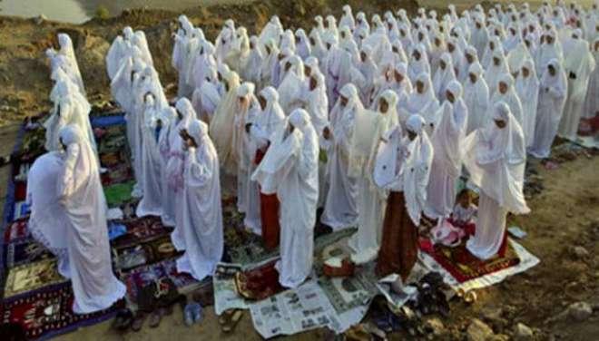 یونان،پہلی دفعہ نمازِ عید میں خواتین کی شرکت