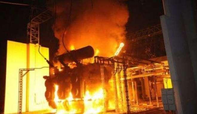 لطیف آباد نمبر 8 اکبری مسجد کے قریب نصب کیا گیا بجلی کا ٹرانسفارمر ..