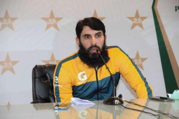 قومی ٹیم کی کارکردگی سے مطمئن نہیں، مصباح الحق کا اعتراف