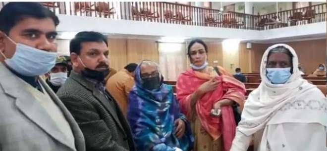 ضلع اسمبلی ہال جہلم میں ناداروں ،مستحقین ،خواجہ سراؤں اور کرسچن کمیونٹی ..