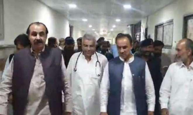 صوبائی محتسب نذر محمد بلوچ کا بی ایم سی ہسپتال کا اچانک دورہ، مختلف ..