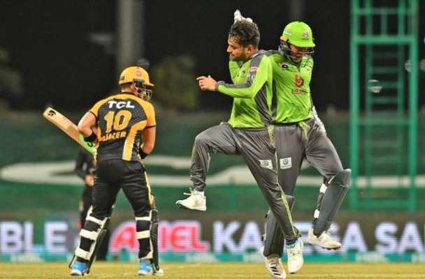 پی ایس ایل 6، لاہور قلندرز نے پشاور زلمی کو 10 رنز سے شکست دیدی
