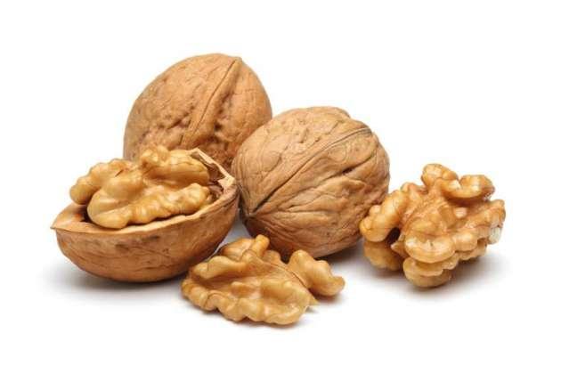 Akhrot Se Dil Ki Takleef Aur Cholesterol Main Kami - Article No. 879