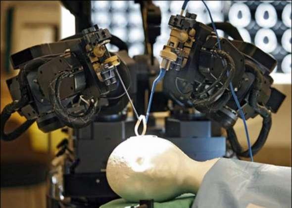 Robot K Zariay Se Damaghi Surgery Mumkin