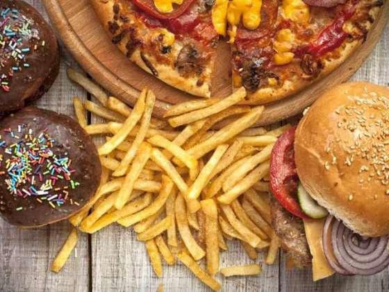 Junk Food Daikh Bhal Kr Khaye - Article No. 1180
