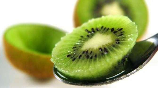 Kewi Fruite Khush Nama Wa Khush Zaiqa Phal
