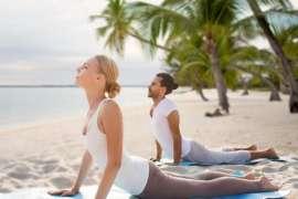 Yoga Ki Mashqoon Se Sehatmand Zindagi Payee