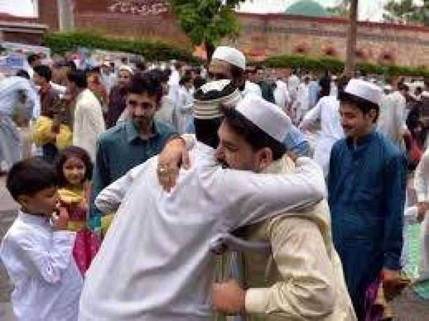 eid ki khushiyan mehroom afraad ke sang