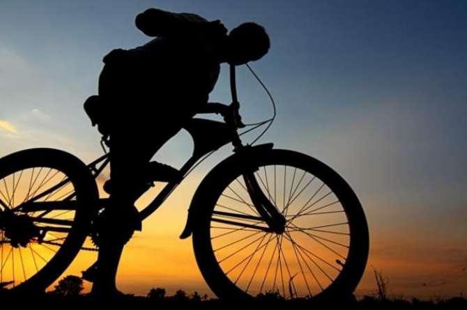 Kitni Chali Cycle