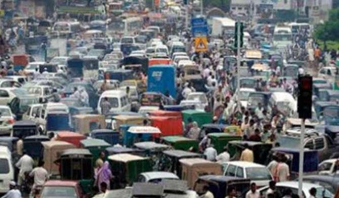 Ghair Tarbiyat Yafta Driver Aur Tarbiyat Yafta Traffic Police