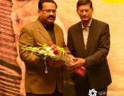 Waseem Abbas Ko Phool Pesh Kiay Ja Rahay HaiN Photo Gallery