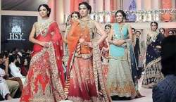 Lahore mein fashion show