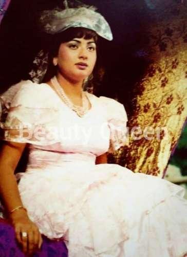 Famous Pakistani Actress Nadra Life Story