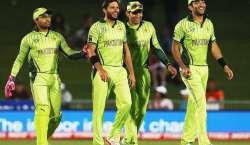 Pakistan Ne UAE KO Roond Dala
