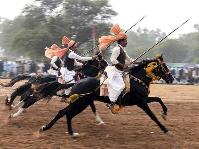 Neezabazi Punjab Ka Maqbool Tareen Khel