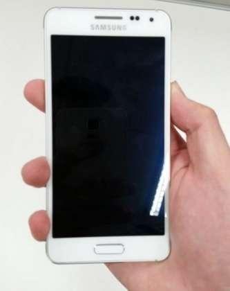 New Samsung Galaxy Alpha photos leak