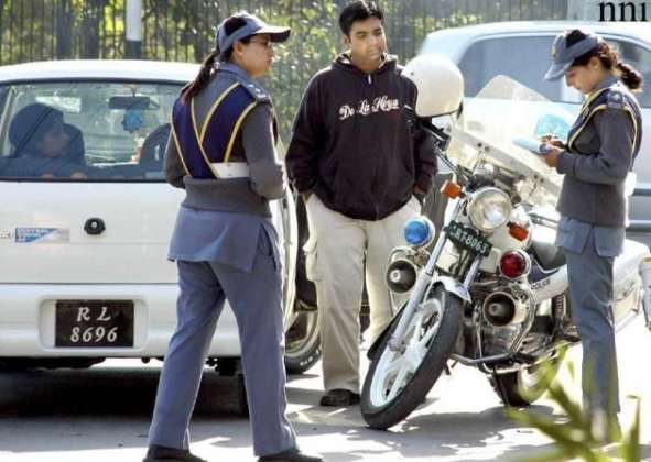 Lahore Traffic Police Experimenting With An E-Ticketing System