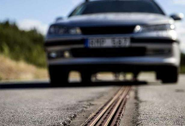 Swedish Test Highway Can Charge Electric Cars