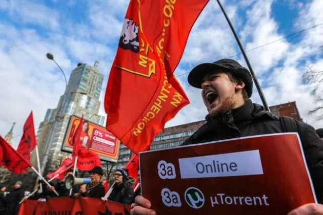 Putin signs bill for 'sovereign Russian internet'