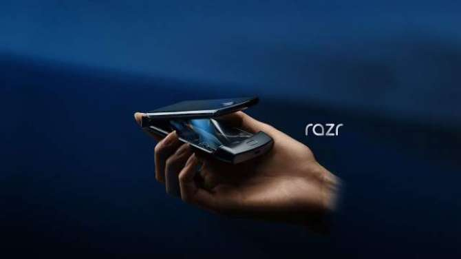 """The new Motorola Razr is here with a 6.2"""" Flex View foldable screen"""