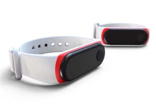 Teen inventor's watch reminds users not to touch their faces