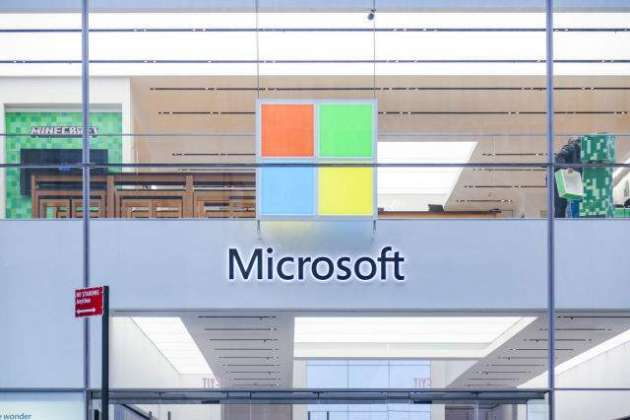 Microsoft closes all of its stores due to coronavirus risk