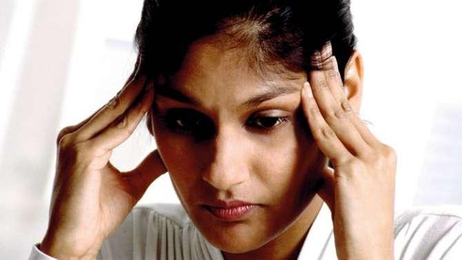 Khawateen Depression Ka Ziada Shikar Hoti Hain