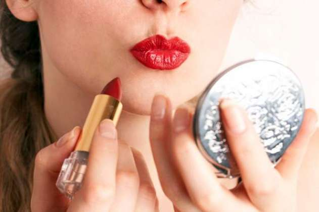 Red Lipstick Maqbool Tareen Fashion Trend