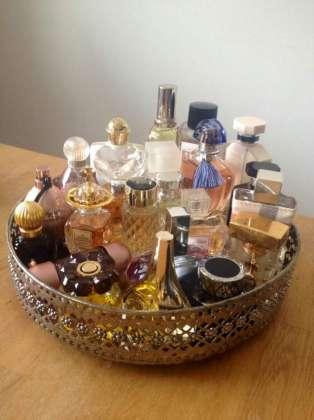 Perfume Ka Intakhab Shakhsiat Ka Akkas