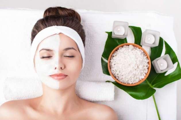 Aankhon Ke Halqay Khatam Karne Ke Liye Beauty Tips
