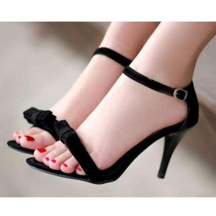 High Heels Sandals Ka Darust Intakhab Karain